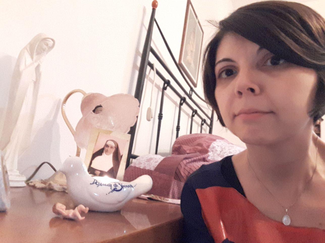 Lampada di Madre Chiara Ricci a Carpi
